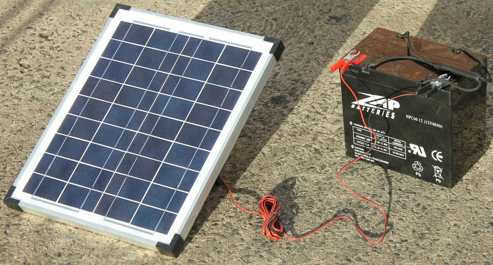 20w Trickle Feed Solar Panel Kit With 5m Lead Attached To